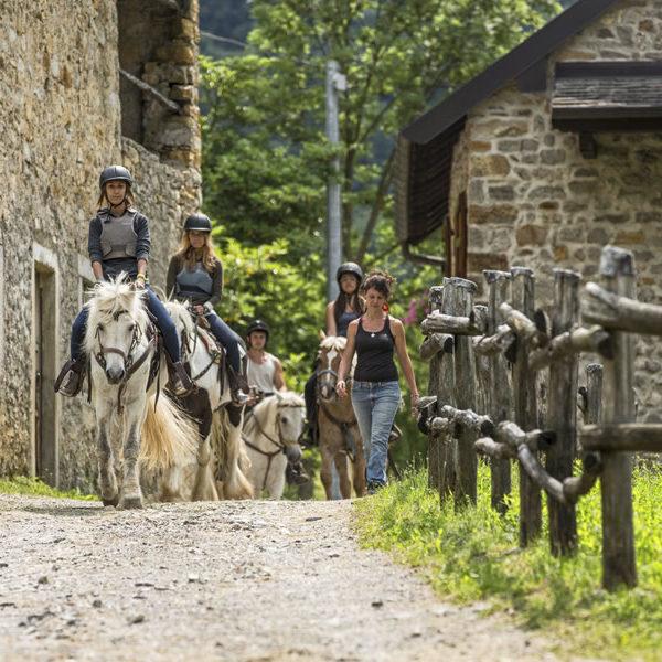 Emozioni a Cavallo Valle Imagna Bergamo
